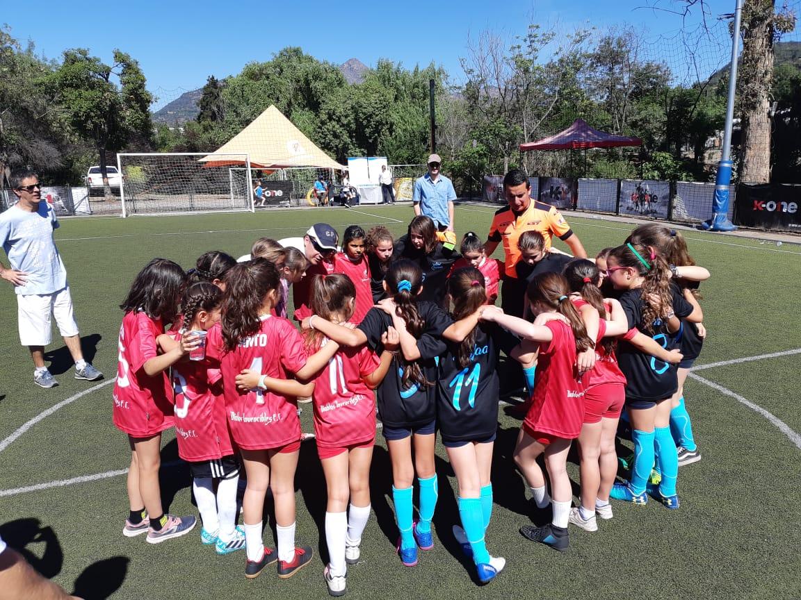 Las Diablas Invencibles: Conoce el equipo femenino que la rompe en el San Ignacio E.B.
